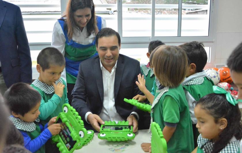 En Chavarría El Gobernador Valdés Inauguró El JIN 69